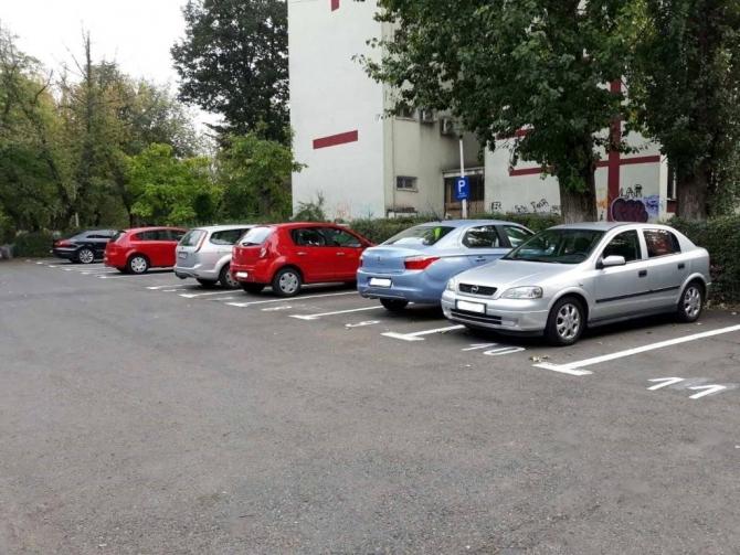 A fost prelungit termenul de depunere a actelor pentru reînnoirea contractelor de închiriere a locurilor de parcare de reședință