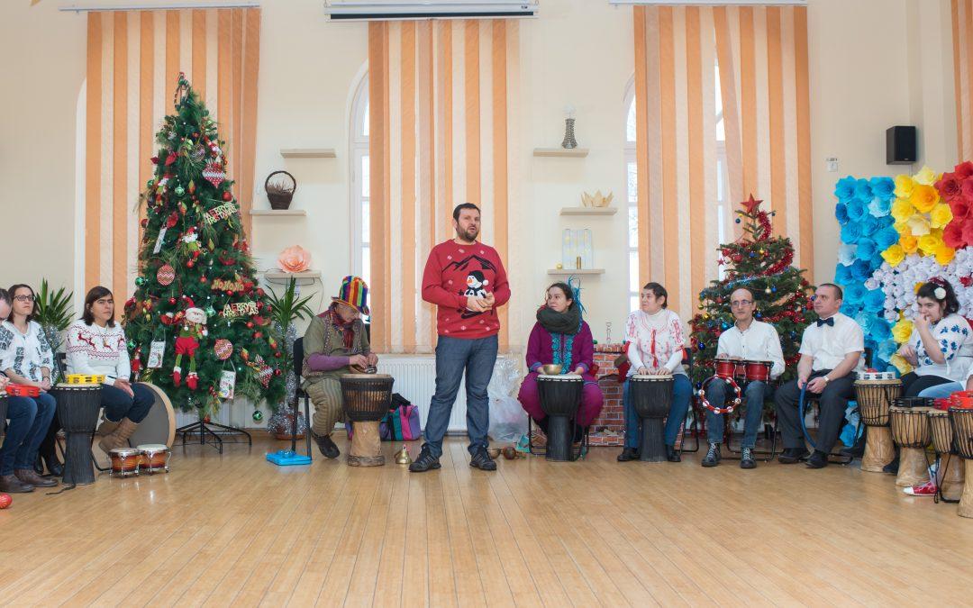 Moș Crăciun a ajuns la sute de persoane cu dizabilități din Sectorul 6