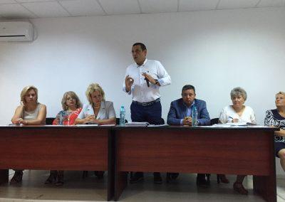 Primarul Gabriel Mutu s-a întâlnit cu directorii şcolilor din Sectorul 6