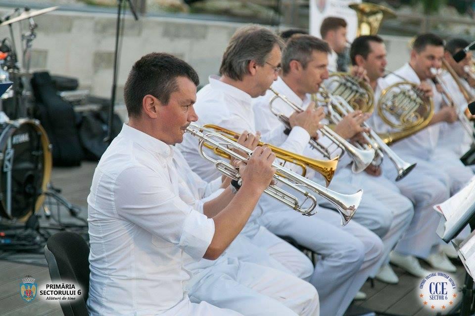 Orchestra Angely's şi solista Operei Naţionale Bucureşti, Elena Dincă Velica, în concert în Parcul Drumul Taberei