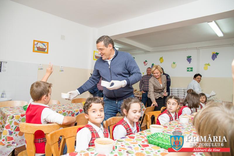 """Sectorul 6, prima administraţie locală din ţară care susţine financiar programul """"Şcoală după şcoală"""""""