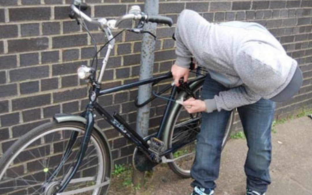 Hoţ de biciclete prins de poliţiştii locali ai Sectorului 6