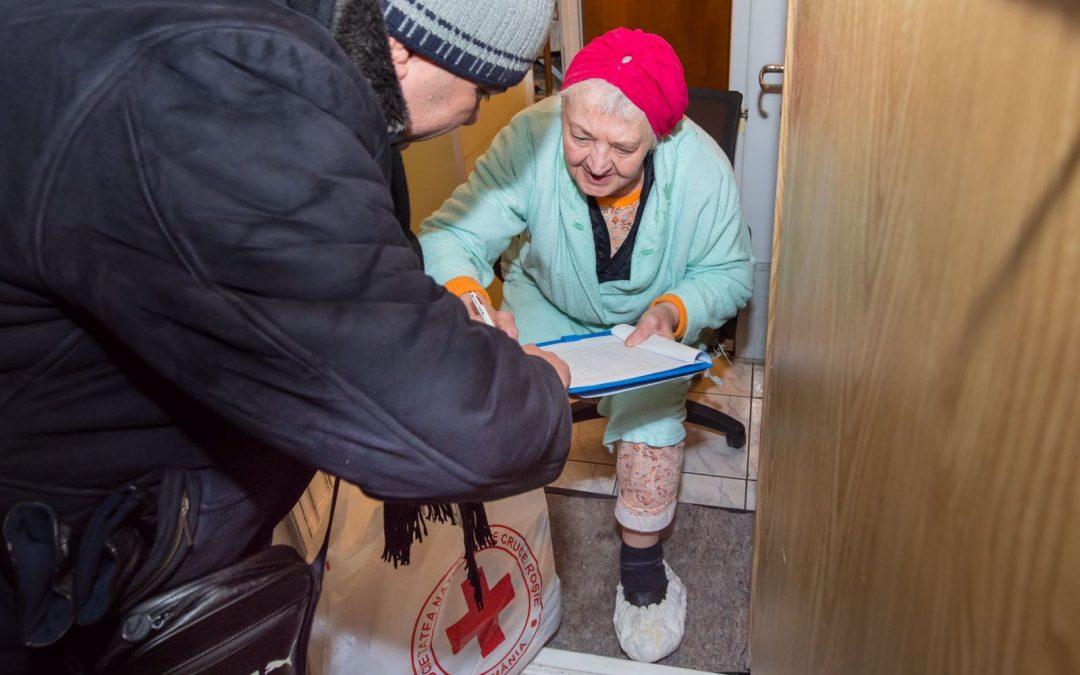 Crucea Roşie sprijină persoanele nedeplasabile din Sectorul 6
