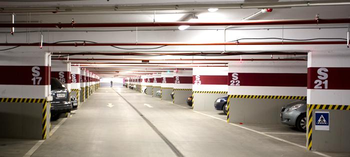 Astăzi, mâine şi în week-end, Şoferii îşi pot lăsa maşinile în parcările acoperite ale centrelor comerciale din Sectorul 6