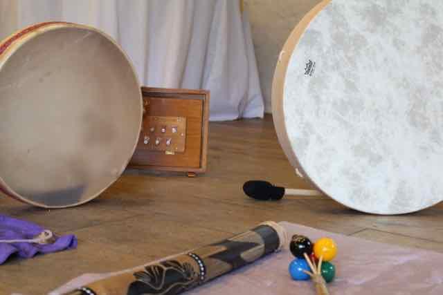 Ateliere de Dezvoltare Personală prin Musicoterapie şi instrumente de percuţie