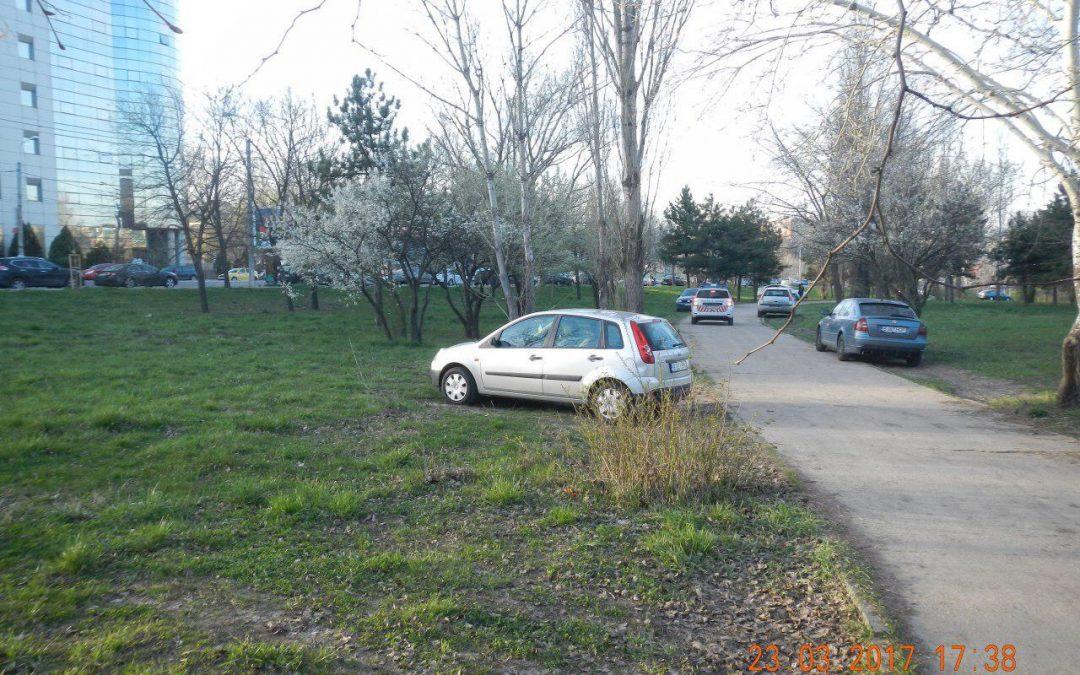 Zero toleranţă pentru şoferii autovehiculelor parcate  pe spaţiile verzi din Sectorul 6