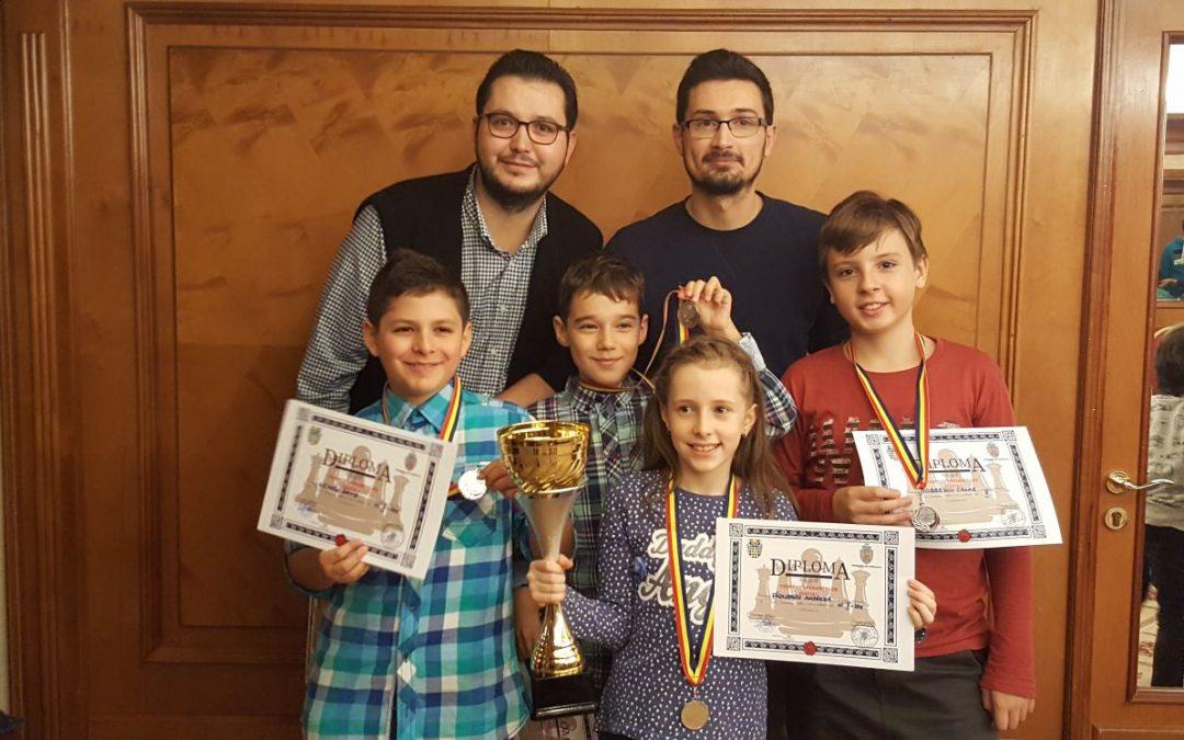 Copiii din Sectorul 6, premiați pentru performanță în șah