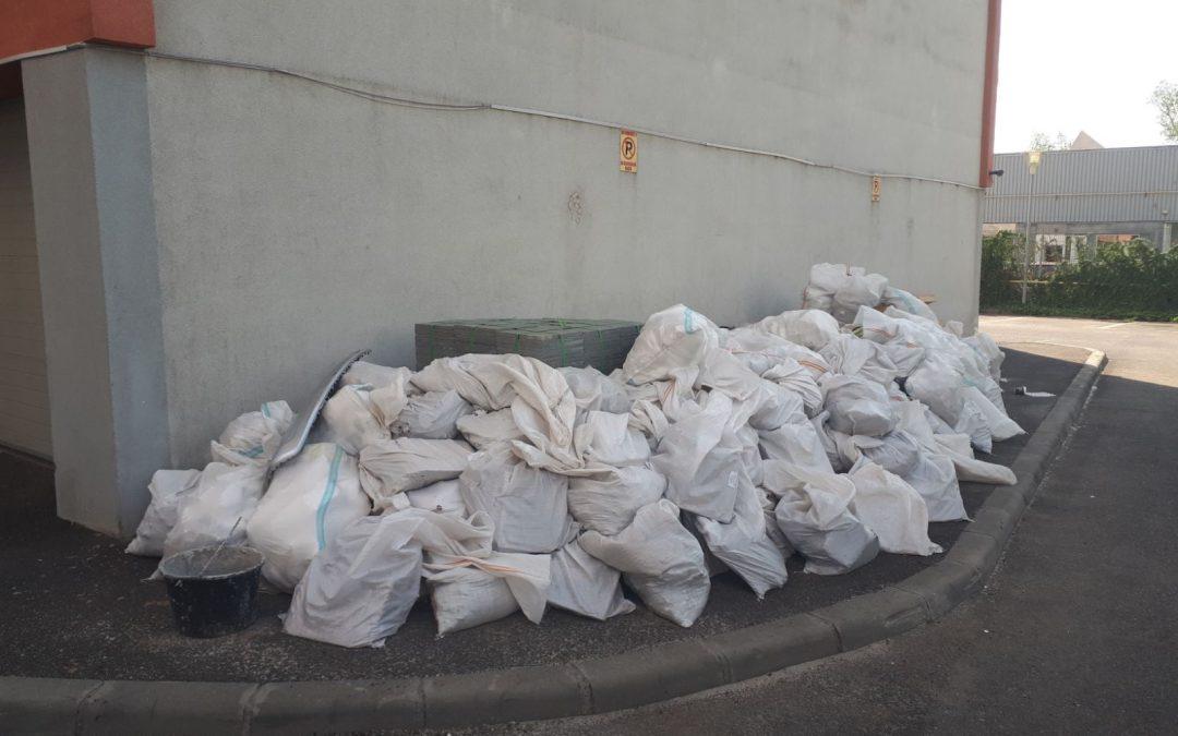 Amenzi de până la 3.000 lei pentru depozitarea deșeurilor provenite din construcții pe domeniul public