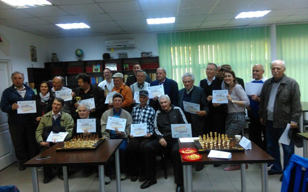 Seniorii din Sectorul 6 ştiu să joace şah!