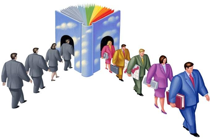 Operator introducere, prelucrare și validare date sau Lucrător în comerț – tu ce alegi?