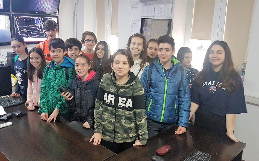 """Copiii de la Școala Gimnazială nr. 172 """"Sf. Andrei"""" i-au vizitat astăzi pe polițiștii locali ai Sectorului 6"""