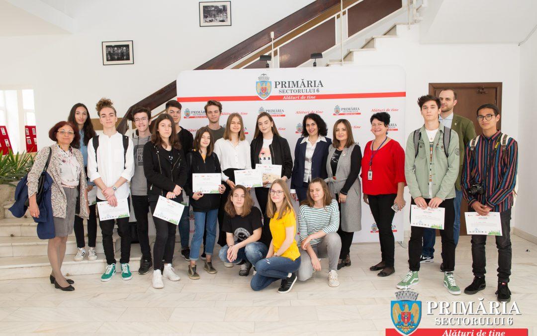 """Elevi din Sectorul 6 participă la """"Walk the (Global) Walk"""""""