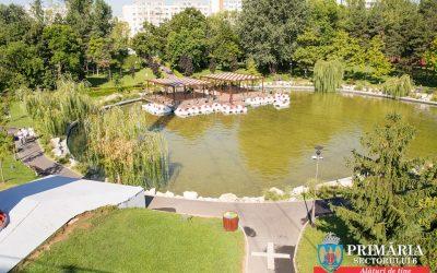 Plimbări gratuite cu hidrobicicleta pe lacul din Parcul Drumul Taberei