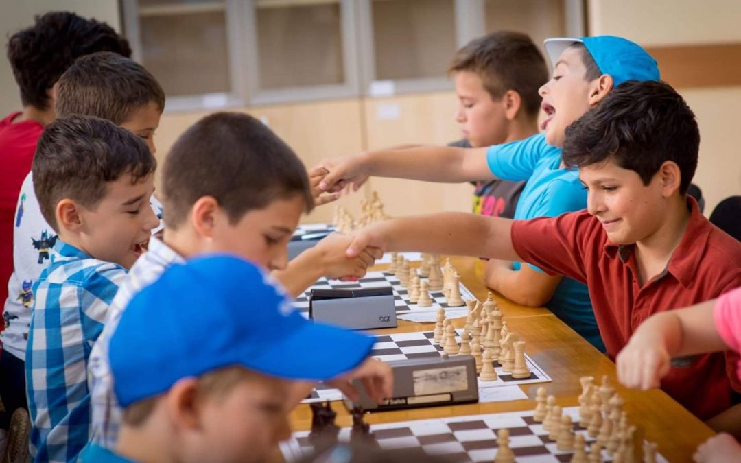 Continuă înscrierile la cursurile gratuite dedicate copiilor din Sectorul 6