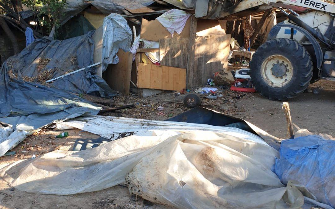 Teren din Drumul Taberei, curățat de 6 tone de deșeuri și adăposturi improvizate