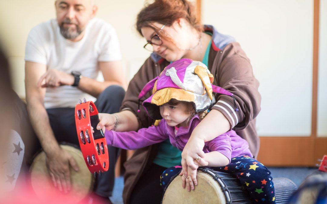 O terapie neconvenţională, dar eficientă, pentru copiii cu dizabilităţi din Sectorul 6