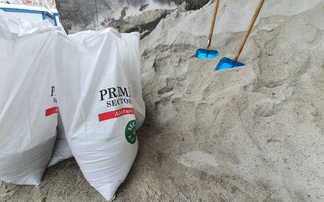 3.000 de saci cu material antiderapant, pregătiţi pentru asociaţiile de proprietari