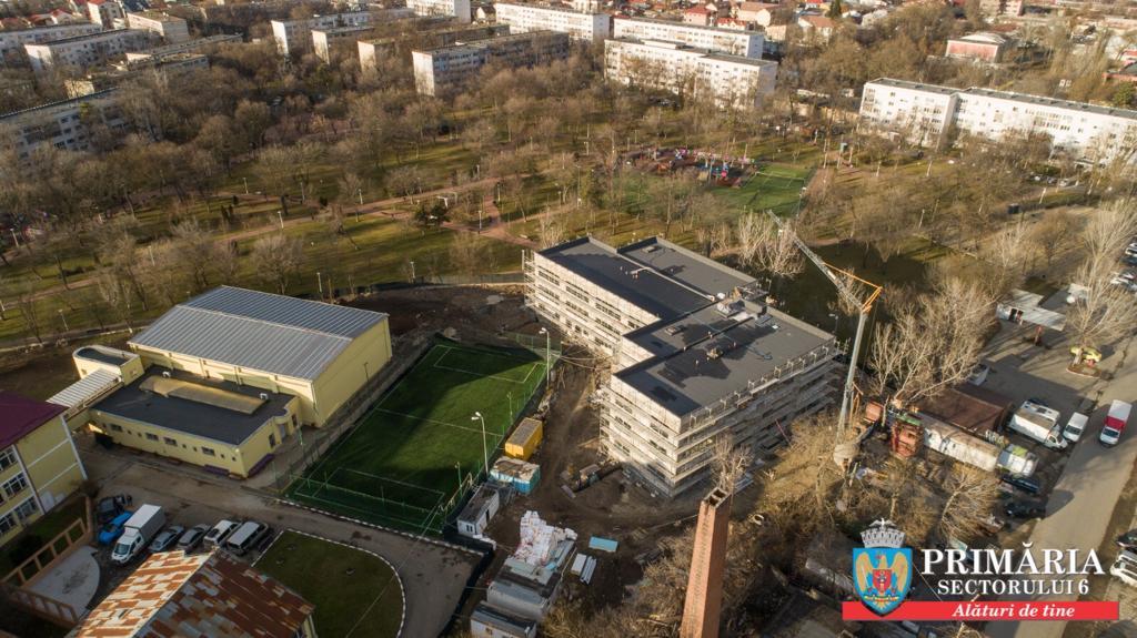O grădiniță de stat, nou construită, mai modernă decât cele particulare