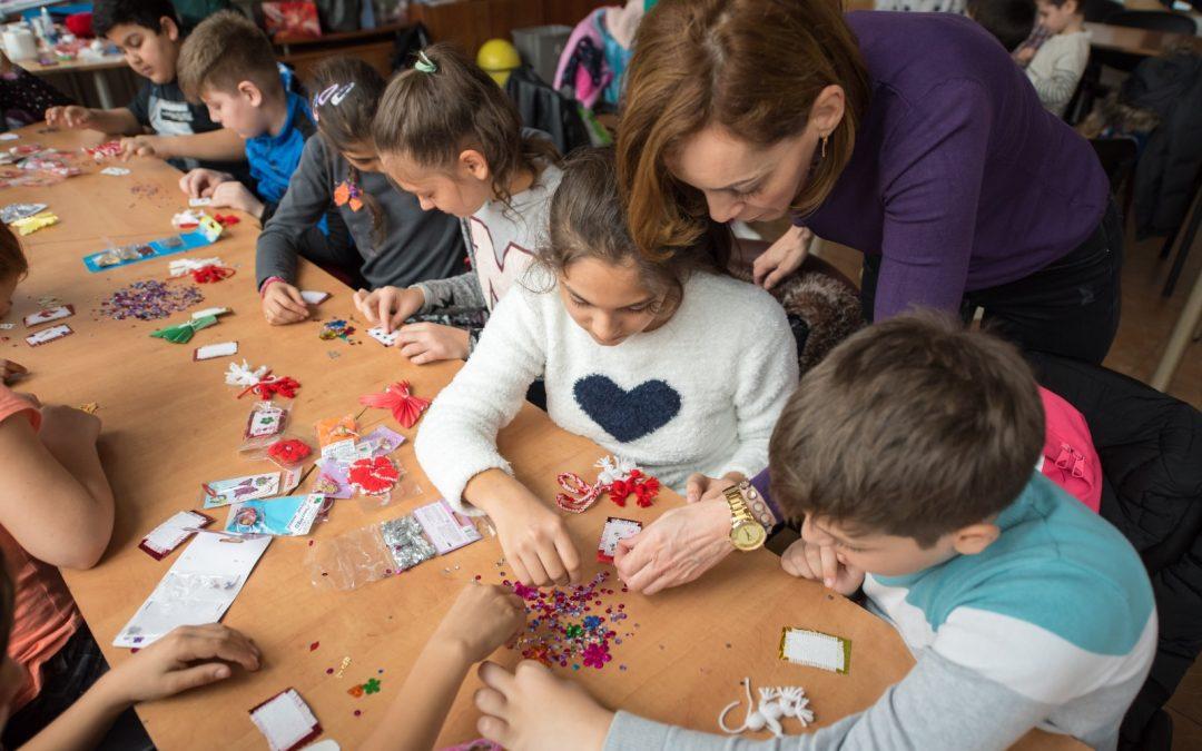 Mărțișoare pline de emoție, realizate de copiii defavorizați din Sectorul 6
