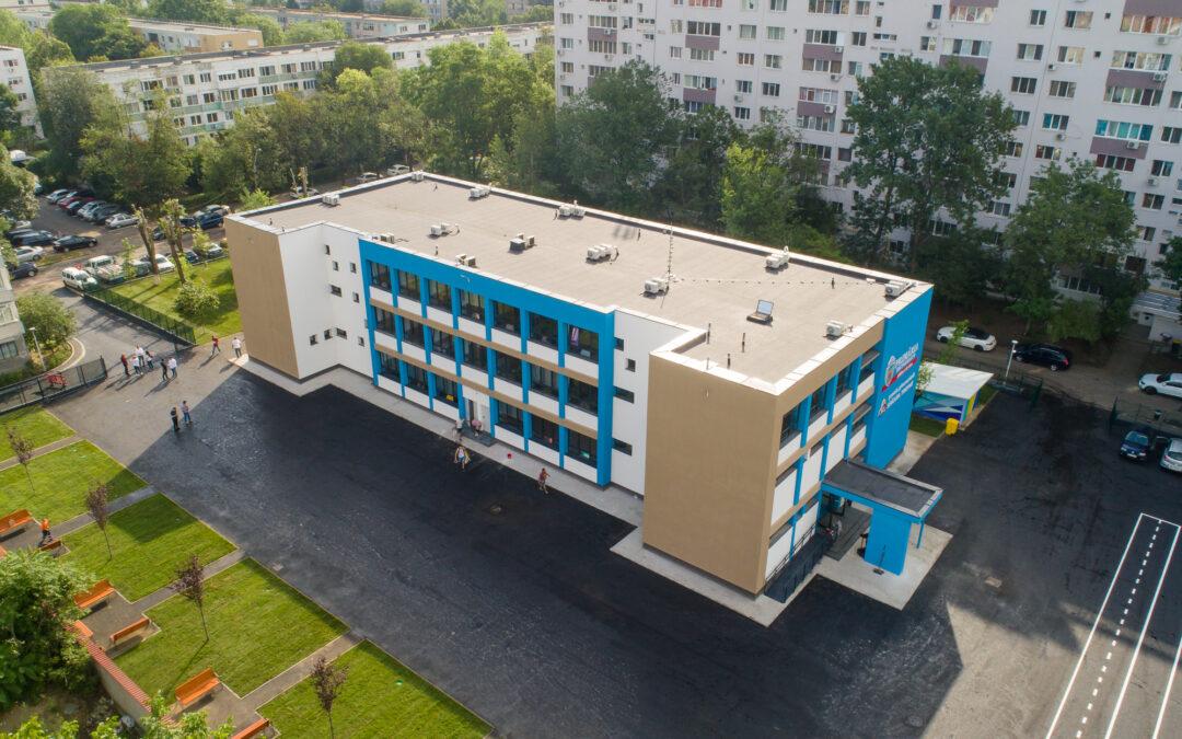 Primăria Sector 6 începe delimitarea spaţiului de lângă unitățile de învăţământ, unde masca devine obligatorie